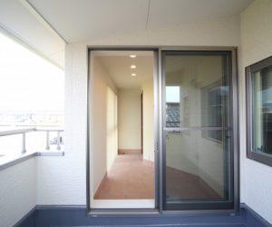 富山市の注文住宅施工例 ベランダ
